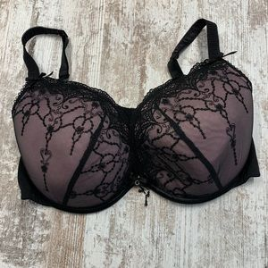 Cacique black and pink lace bra